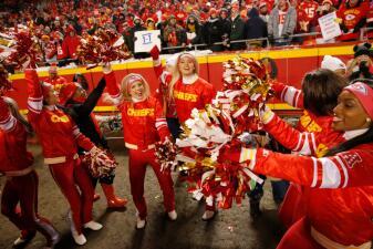 La presencia de las animadoras de la NFL en la etapa de Juegos de Campeonato, imperdible