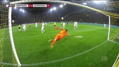 ¡GOOOL! Jadon Sancho anota para Borussia Dortmund