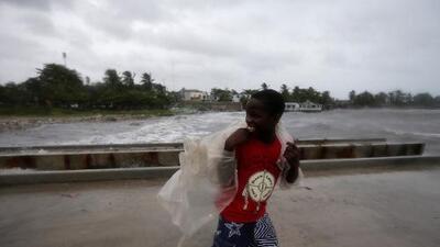 Todo lo que necesitas hacer para sobrevivir antes, durante y después del paso de un huracán