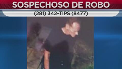 Buscan a un hombre sospechoso de entrar a robar una casa en Katy