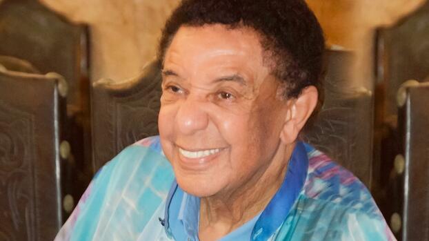 Muere el cantante brasileño Agnaldo Timóteo a los 84 años; 19 días después de ser vacunado contra covid-19
