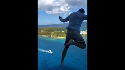 Prohíben de por vida viajar en Royal Caribbean a un joven que saltó por la borda de uno de sus cruceros