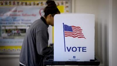 El voto hispano es un gigante dormido que puede tener un papel decisivo en las próximas elecciones, según un análisis