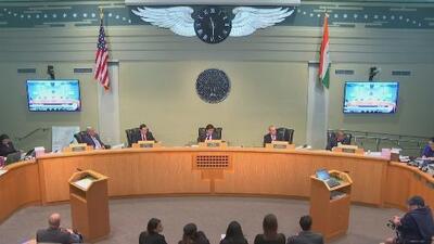 Aprueban sanciones más severas para compañías que imponen multas en parqueaderos de Miami
