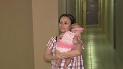 Una madre cubana exige la liberación de su esposo tras ser separados en la frontera