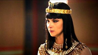 Nefertari le suplicó a Ramsés que deje partir a los hebreos
