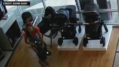 Junto a sus cómplices, una mujer roba un cochecito de bebé de una tienda, pero olvida a su hijo