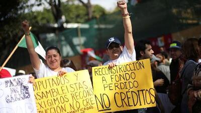 Afectados por terremotos en México salen a las calles para exigir ayuda
