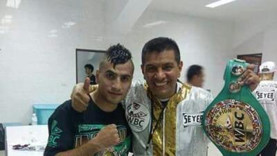 Juan 'Churritos' Hernández le da a México un nuevo campeonato mundial de boxeo