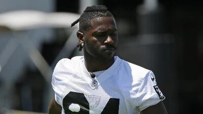 Antonio Brown y Raiders hablan sus diferencias