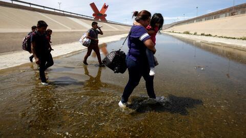 Un recorrido por el Río Grande muestra los desafíos de cumplir con las condiciones de Trump para no cerrar la frontera