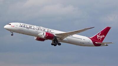 Vuelo comercial con pasajeros rompe la barrera del sonido sobre el espacio aéreo de EEUU