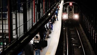 Reportan que la puntualidad de los trenes en Nueva York fue la más alta en cinco años, pero usuarios lo cuestionan