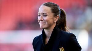 """Casey Stoney, DT del Man Utd Femenil: """"¿Salarios igualitarios? Aún no"""""""