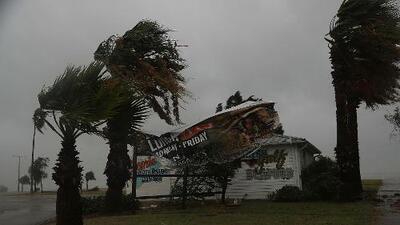 Huracán Harvey: Se esperan descargas eléctricas, golpes fuertes de viento y granizo
