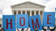 Illinois aplaude la decisión de la Corte Suprema de mantener vivo el programa DACA que protege a miles