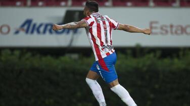 Alexis Vega se perfila para ser titular en el duelo de Chivas contra León