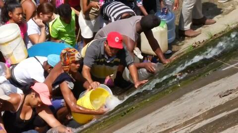 En Venezuela el agua es oro y sus ciudadanos sufren cada día más para conseguirla