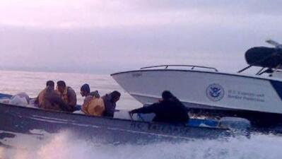 Juez libera de culpa a tres agentes fronterizos por la muerte de una mexicana en el mar de California