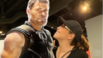 Thalía coquetea con Thor y Tommy Mottola se pone celoso