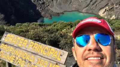 Adrián Uribe disfruta de sus vacaciones en Costa Rica