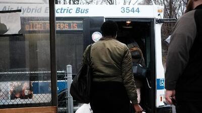 Autobuses más veloces a fuerza de remolque en la ciudad de Nueva York
