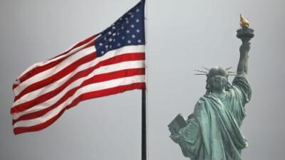 Estos son los beneficios que un inmigrante podrá pedir sin que lo afecte la regla de carga pública