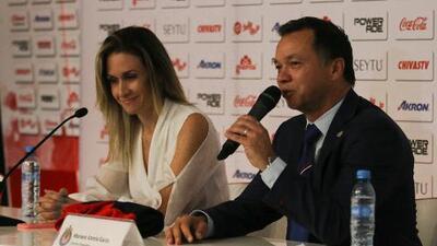 Chivas presenta a Nelly Simon como Gerente Deportiva de Chivas Femenil
