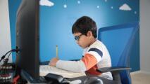 ¿Por qué es importante monitorear la actividad de tus hijos en internet? Un experto habla al respecto