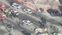 Se entrega a la policía el sospechoso de dejar explosivos falsos en un centro comercial de Queens