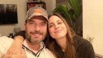 "La novia de Julián Gil celebra ser ""negativa en algo"": no tiene covid-19"
