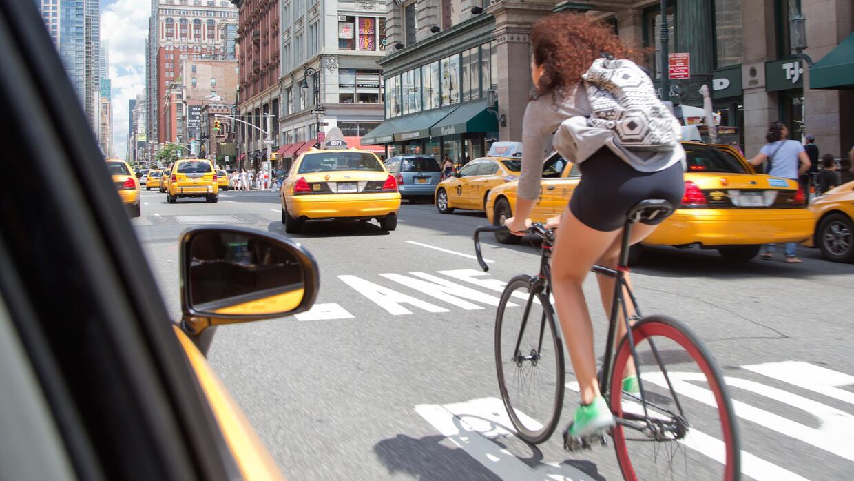 Resultado de imagen para ciclismo urbano pèligros