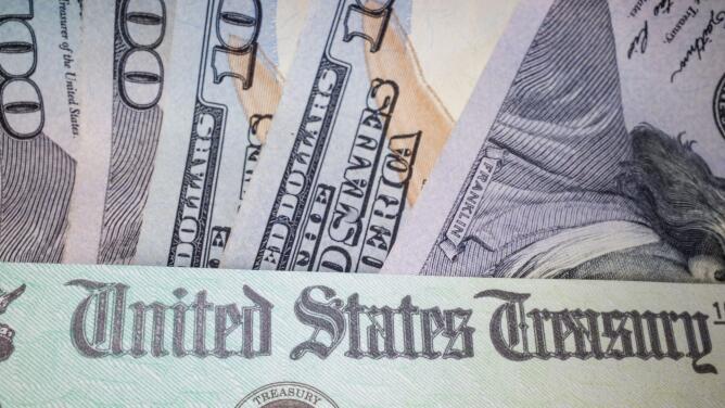 Además de los $ 1,400: El IRS envía pagos adicionales del paquete de estímulo a las personas que califican