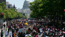 Cientos de inmigrantes y activistas protestan en más de 70 ciudades de EEUU para exigir una reforma migratoria