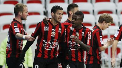 El Niza gana 2-1 al Angers en duelo de equipos revelación de la Ligue 1