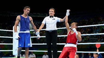 El peso mosca venezolano Yoel Finol aseguró medalla en el boxeo olímpico de Río