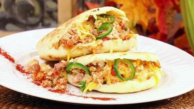 Receta de arepas rellenas de pavo y queso (con el secreto del Chef Yisus para hacer la masa perfecta)