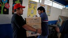 Los salvadoreños acuden este domingo a las urnas para elegir nuevo presidente