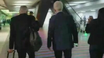 Momento del traslado de Jorge Ramos y el equipo de Univision Noticias al aeropuerto