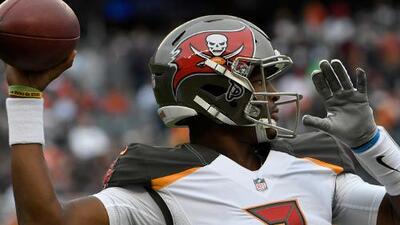 Jameis Winston recupera el puesto de quarterback titular en Tampa Bay