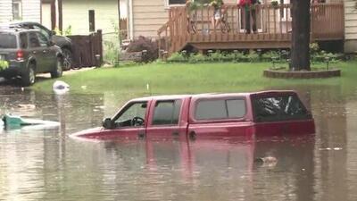 Tormentas causan daños e inundaciones en suburbios al norte de Chicago