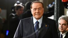 Medios italianos recuerdan los escándalos y polémicas de Silvio Berlusconi