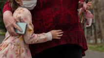 """""""No es momento de hacer fiestas grandes"""": el llamado de expertos en Houston sobre celebraciones del Día de la Madre"""