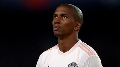 El Manchester United condena los ataques racistas contra Ashley Young