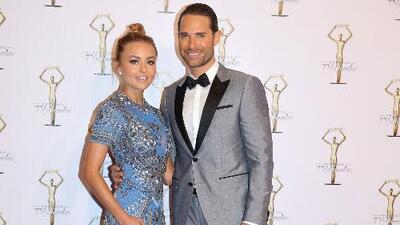 Angelique Boyer y Sebastián Rulli fueron la pareja de la noche en los 'Premios TVyNovelas 2017'