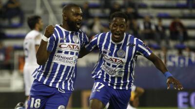 Godoy Cruz golea a Vélez Sarfield y sigue puntero en Argentina