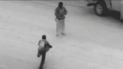 En video: el momento en que un agente de la Patrulla Fronteriza rescata a un inmigrante en el sector de Yuma