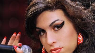 Padre de Amy Winehouse asegura que el fantasma de su hija lo visita