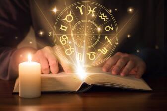 ¿Cómo se escribe el horóscopo diario?