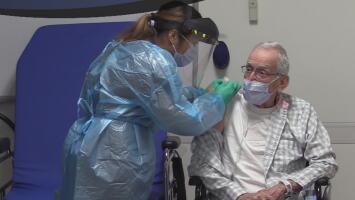 Veteranos de San Antonio comienzan a recibir la vacuna contra el covid-19